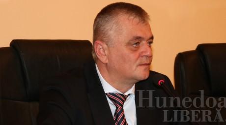 Conducerea CJH strânge robinetul la conducta cu bani pentru presă