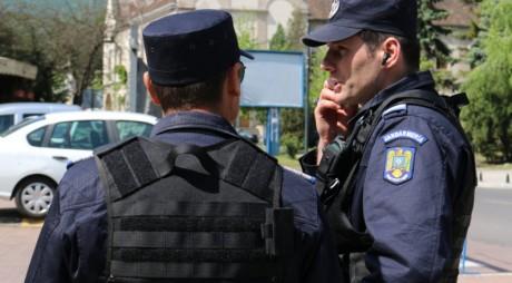 Scandal cu PUMNI ÎN CAP la Alba Iulia. Jandarmii au intervenit