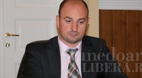 Secretarul judeţului Hunedoara, SĂLTAT de procurorii DNA