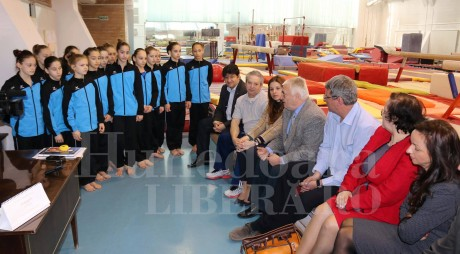 Clubul Rotary sprijină gimnastica de la Deva. Ce donaţie a făcut