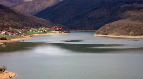 Lacul Cinciş, născut din drama unor oameni