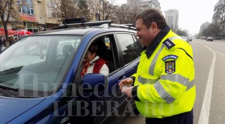 Poliţiştii rutieri s-au transformat în vestitori ai primăverii