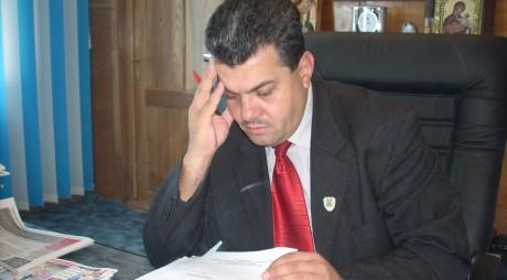 """Primar hunedorean TERORIZAT de """"instituţiile de forţă"""""""