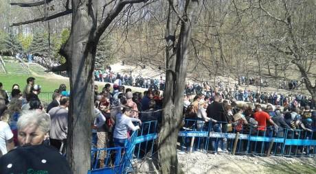 ZECI DE MII de pelerini la Mănăstirea Prislop în Săptămâna Luminată
