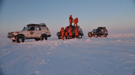 Arctica TIKSI: Drapelul României dus de un hunedorean în nordul Siberiei
