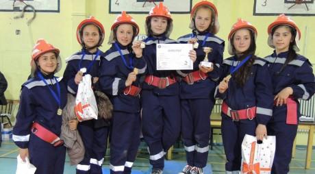 """100 de elevi au participat la """"Prietenii Pompierilor"""""""