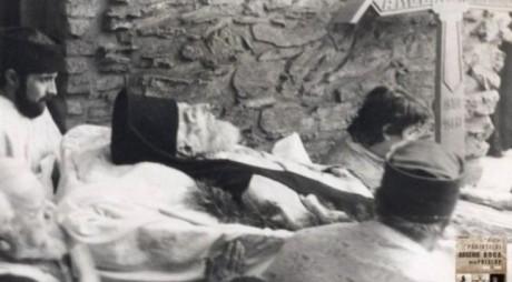 Controversata moarte a părintelui Arsenie Boca: iradiat, torturat, răstignit de Securitate