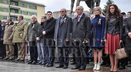 Doar jumătate din parlamentarii hunedoreni i-au onorat pe jandarmi de ziua lor