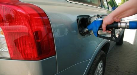 A alimentat carburant de la o benzinărie din Alba Iulia și a plecat fără să plătească