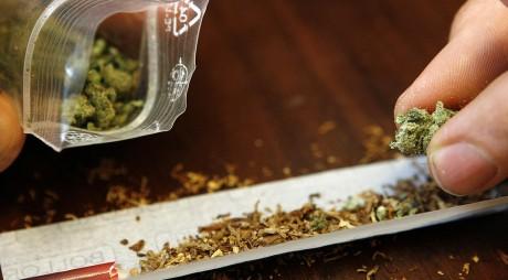 Lupeneni ÎN STARE GRAVĂ după ce au consumat droguri
