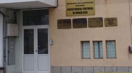 """Două firme din Alba, amendate de ITM pentru muncă """"la negru"""""""