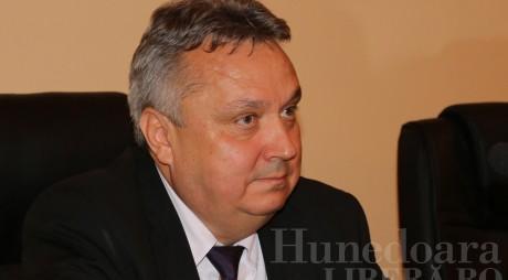 Mesajul prefectului județului Hunedoara cu prilejul sărbătoririi Zilei Învățătorului