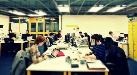 Rusalii 2015: Ce drepturi au salariaţii care lucrează pe 31 mai şi 1 iunie?