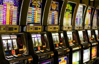 Reguli noi pentru jocurile de noroc. Afișarea premiilor în exteriorul sălilor va fi interzisă