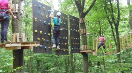Parcul de Aventură Dynamis din Alba Iulia este deschis pentru iubitorii de adrenalină