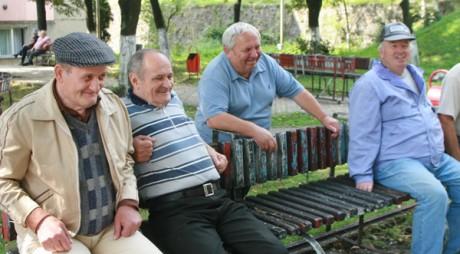Veste BUNĂ pentru pensionari
