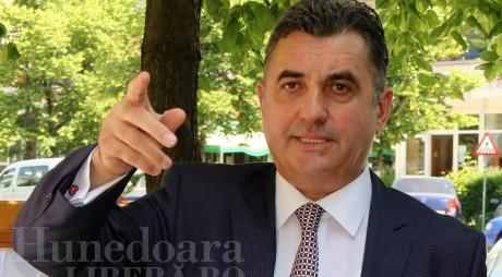 Primarul Devei arată CARTONAŞUL GALBEN