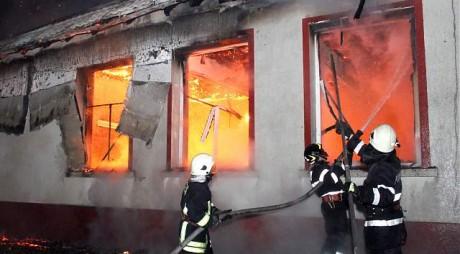 România 2015 | Şcoală incendiată de propriii elevi