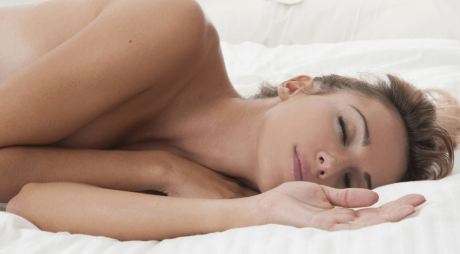 Află de ce e bine să dormi dezbrăcat
