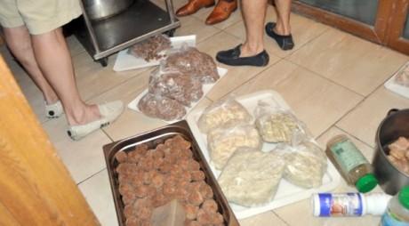 Peste 100 de kilograme de CARNE EXPIRATĂ la un hotel de patru stele din MAMAIA