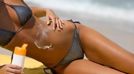 Nu e de joacă! Crema ta de plajă face faţă radiaţiilor?