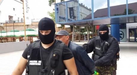 SCANDALOS. Cum a încercat să scape de arest un contrabandist