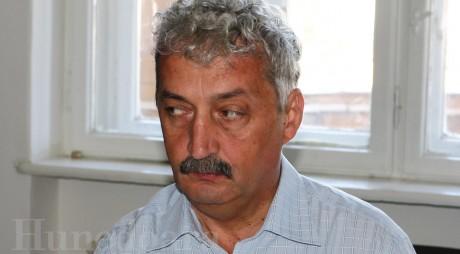 Primarul Hunedoarei, prins cu TEMELE NEFĂCUTE