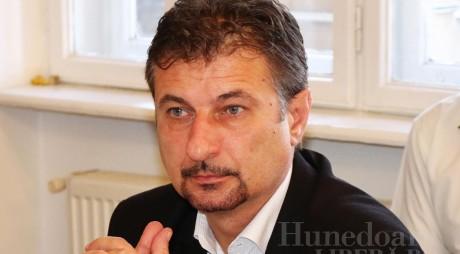 Viceprimarul Hunedoarei declară război binomului Arion & Hărău