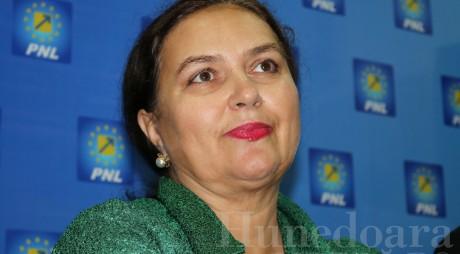 """Deputata multimilionară: """"Afacerile oamenilor de afaceri plâng de foame"""""""