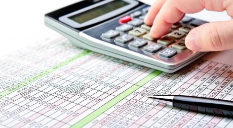 Doar 45% dintre companii îşi plătesc la timp datoriile