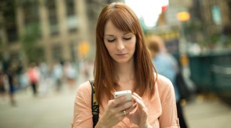 """""""Smartphone-urile preiau controlul asupra vieţii noastre"""""""