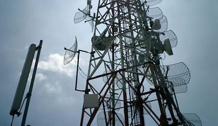 Semnal de alarmă! Antenele GSM interzise lângă școli, spitale și cămine de bătrâni