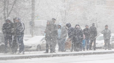 Val de aer POLAR peste România. Se anunţă lapoviţă şi ninsoare!