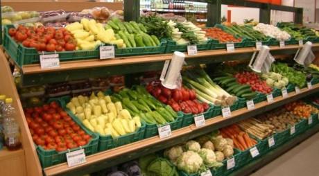 Legea care obligă supermarketurile să vândă alimente româneşti nu se poate aplica