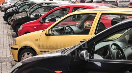 DEVA | De când începe din nou RIDICAREA mașinilor parcate ilegal