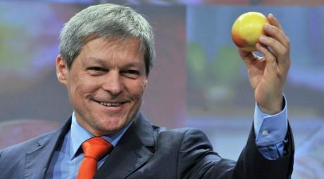 Dacian Cioloș, desemnat drept candidat pentru funcția de premier de către președintele Iohannis