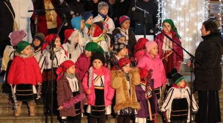 FOTO. Atmosferă de sărbătoare în municipiul Hunedoara