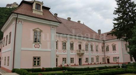 Muzeul Civilizaţiei Dacice şi Romane, deschis de Sfânta Maria