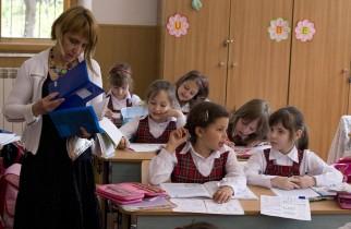 Ministerul Educației face sondaj printre elevi, părinți și profesori privind temele pentru acasă