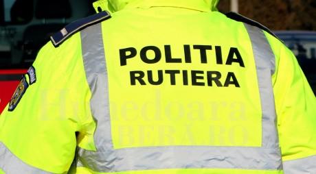 """Polițist de la """"Rutieră"""" prin în flagrant luând MITĂ"""
