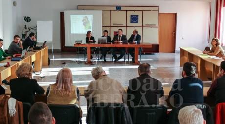 Primarii și parlamentarii, neinteresați de viitorul județului