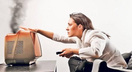 Cum ceri despăgubiri dacă ţi se ard electrocasnicele din cauza supratensiunilor