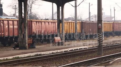 Ultima oră. Un tren de marfă a deraiat la Mintia!