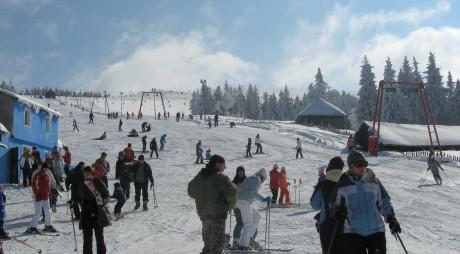 Straja. Începe Festivalul oamenilor de zăpadă