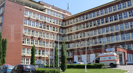 115 candidați pe 17 posturi de asistenți medicali la spitalul din Hunedoara