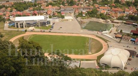 """Deva: Cât va costa pista de atletism de la Stadionul """"Cetate"""""""