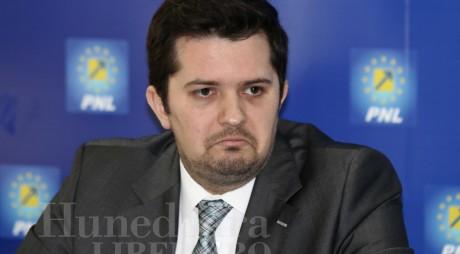Surse: 25 de primari PNL cer înlocuirea lui Bogdan Țîmpău