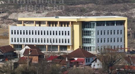 Dezbatere publică pentru viitorul Parcului de Afaceri de la Hunedoara