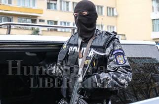 PERCHEZIȚII | Traficant de droguri săltat și arestat