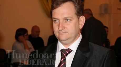 Primarul din Geoagiu anunță că a părăsit ALDE împreună cu viceprimarul și 4 consilieri locali